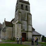 Parvis de l'église de St-Etienne-Roilaye